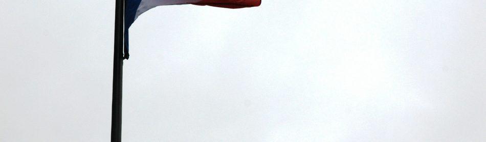 Les touristes pourront admirer en Angleterre le plus vieux drapeau français