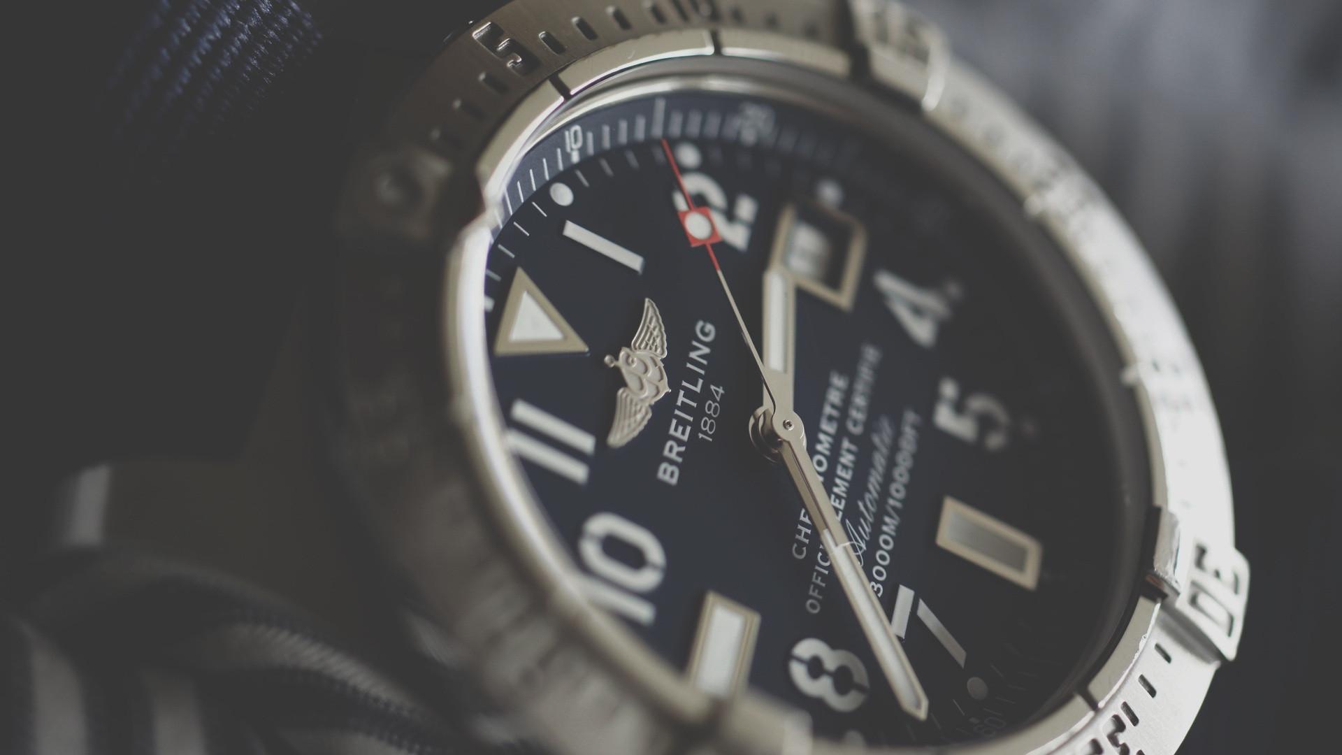 Les montres traditionnelles sont-elles détrônées par les versions connectées ?
