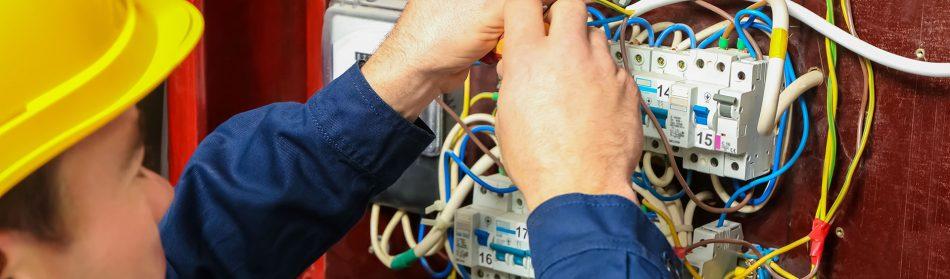 Les conseils pour bien choisir son électricien