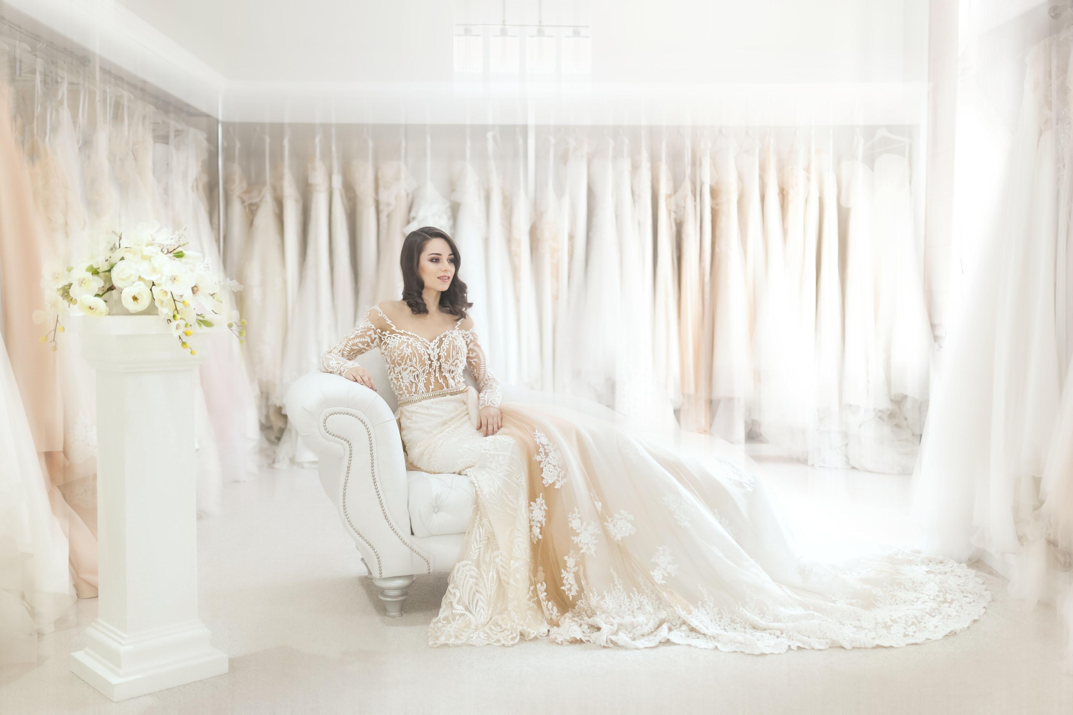 Choisir sa robe de mariée : une étape cruciale pour son mariage