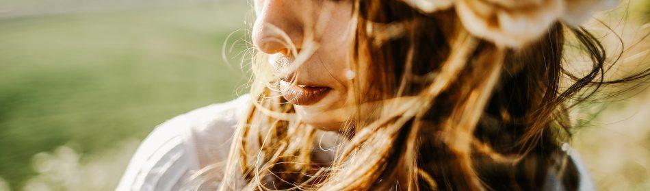 Comment bien prendre soin des cheveux très longs ?