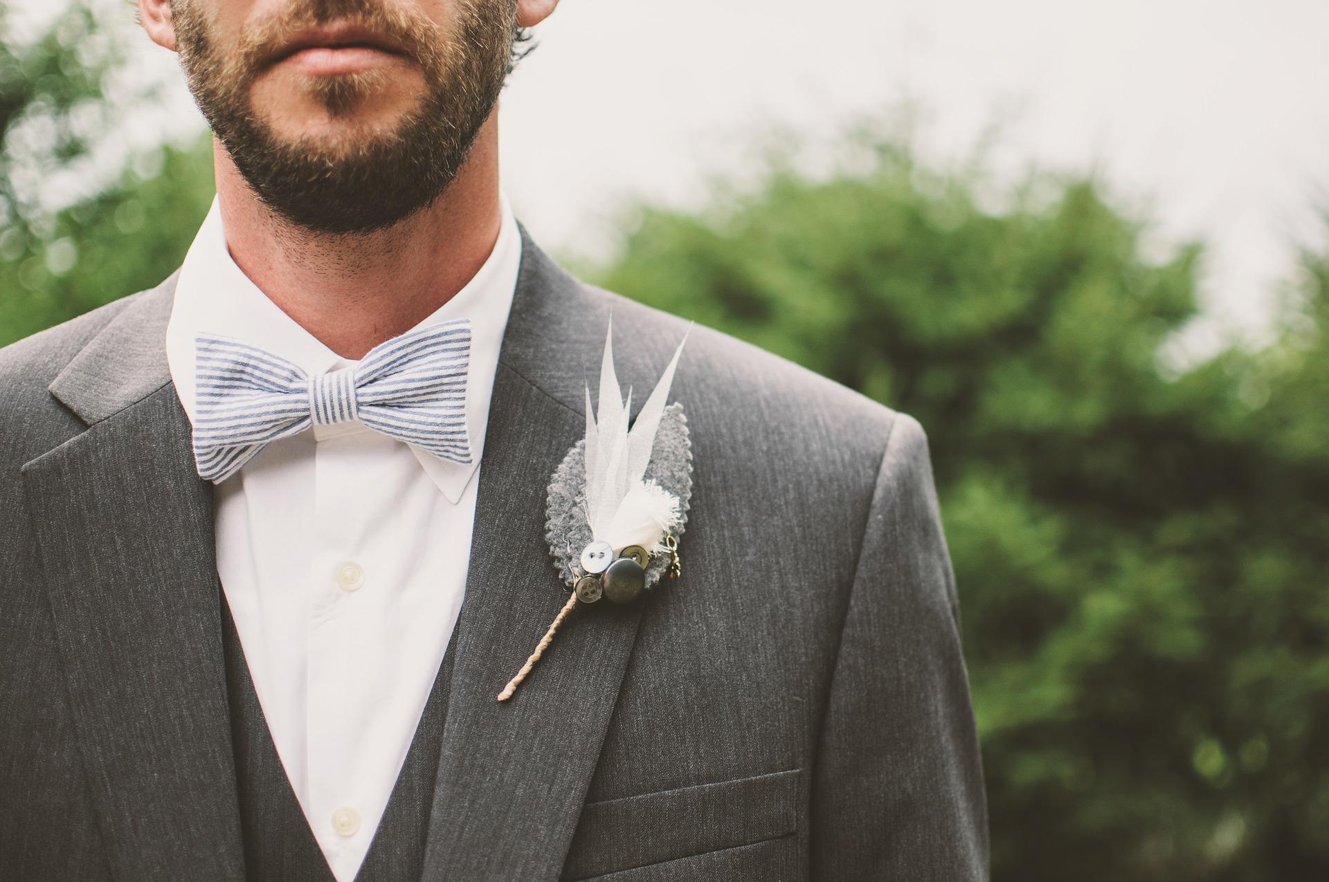 Les indispensables pour un costume de mariageréussit