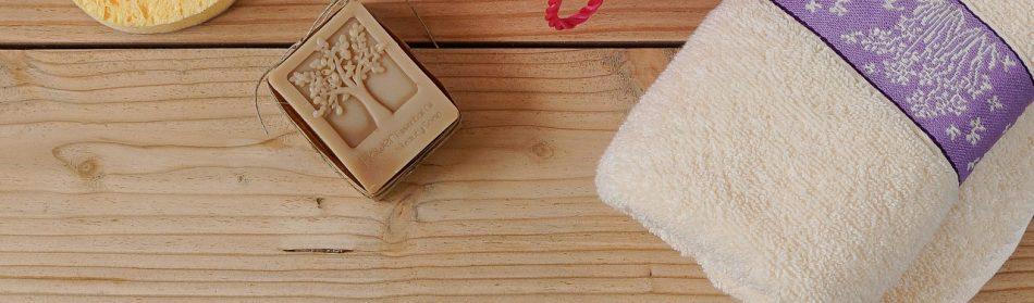Serviettes jetables ou serviettes lavables ?