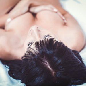 Démangeaisons au niveau des mamelons : causes et traitements
