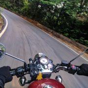 Passionné(e) de moto : comment devenir chauffeur taxi-moto ?