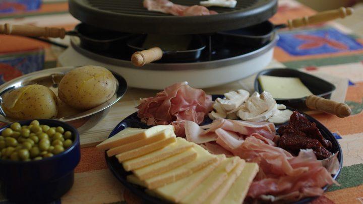 Les fromages à fondre dans une raclette