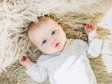 Bébé pleure constamment : que faire ?