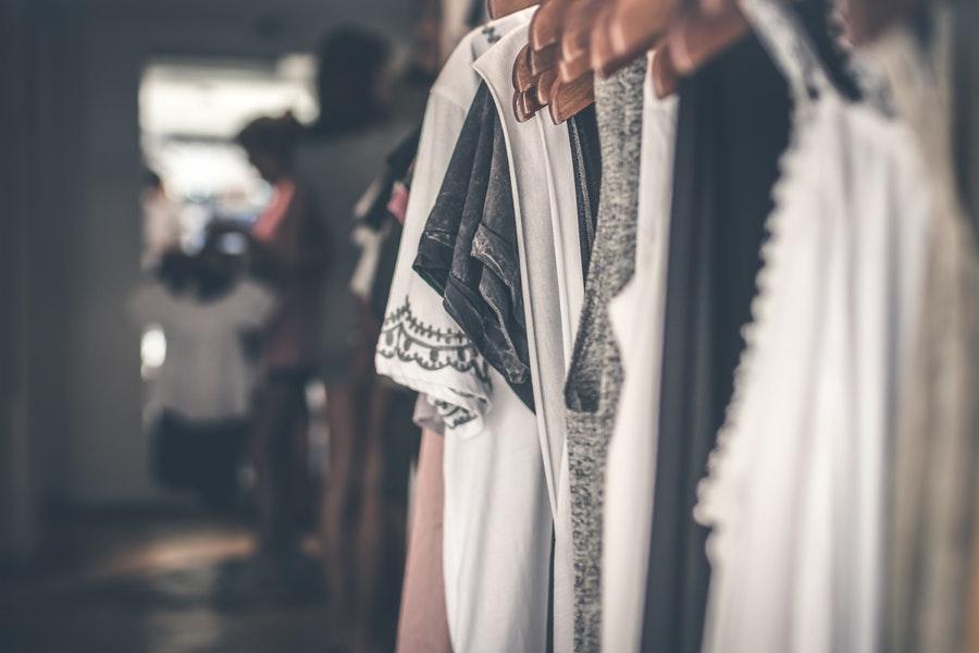 Les styles vestimentaires à la mode en Europe