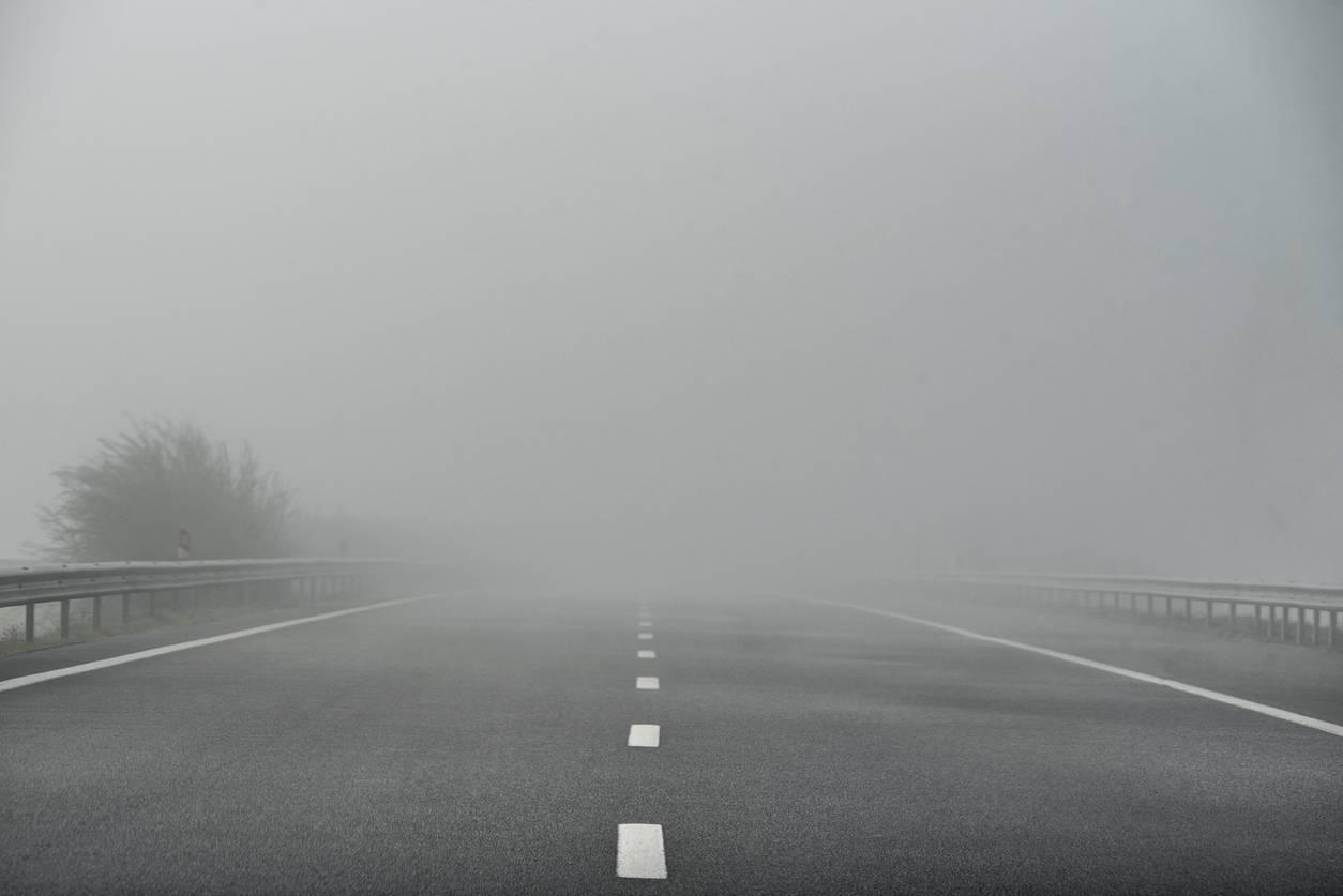 mauvaise visibilité de la route