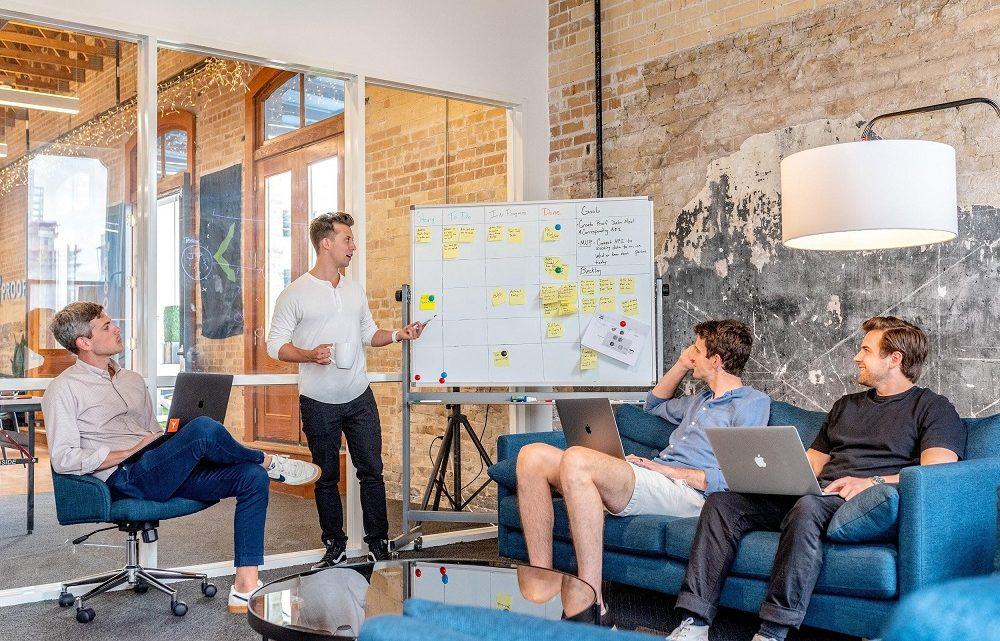 Comment équiper votre nouveau bureau sans trop dépenser?