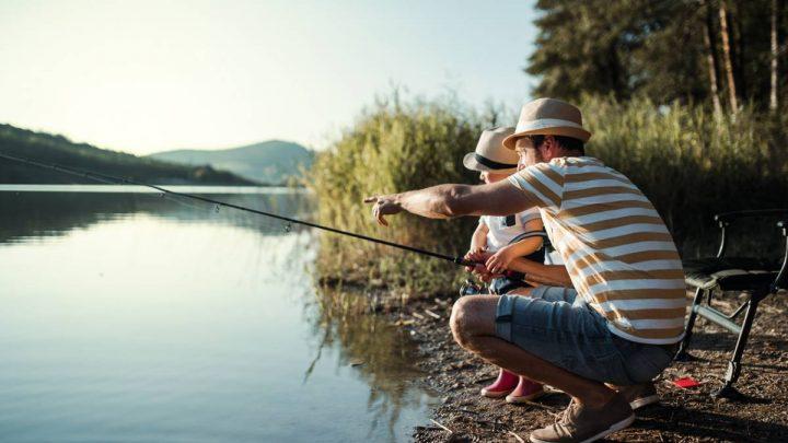 Organiser une partie de pêche en famille : quelle canne choisir ?