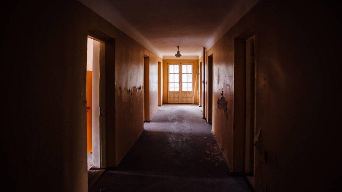 Les astuces pour éclairer un couloir trop sombre