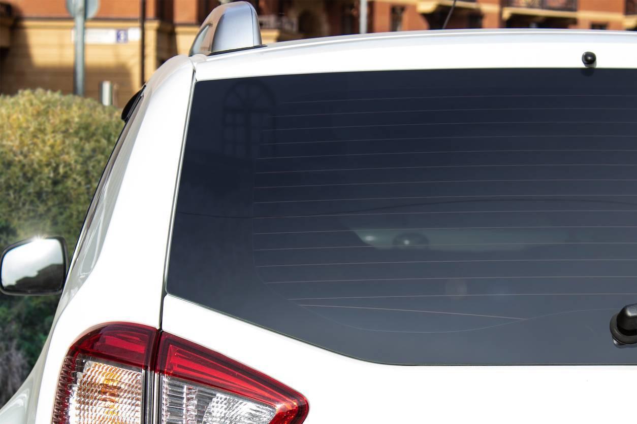 astuces pour réussir la pose de ses stickers de voiture